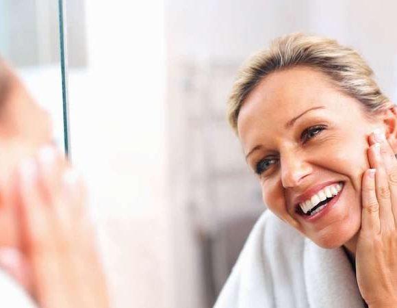 Quando cominciare a usare la crema antiage e come sceglierla per avere risultati reali