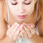 Come lavarsi il viso