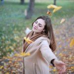 Vitamine in autunno un aiuto per la pelle durante il cambio di stagione.