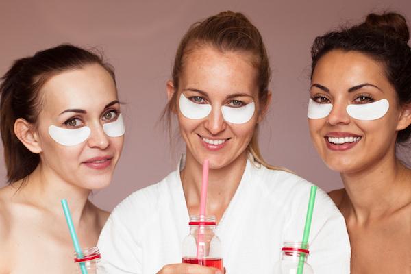 come eliminare le occhiaie con una crema per contorno occhi efficace.