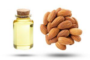 L'olio di mandorle è un ottimo rimedio per le crosticine della crosta lattea