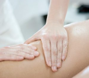 Massaggio anticellulite mass mar con sali e enzimi innovativi.