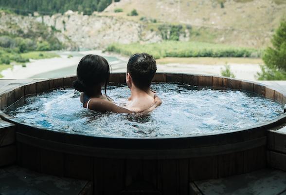 I benefici dell'idromassaggio per gli adulti