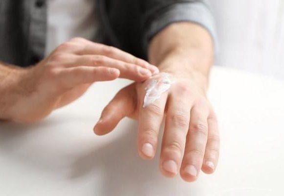 Come evitare il ritorno delle ragadi con i giusti prodotti dermatologici