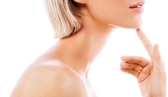 Scopri i rimedi della medicina estetica per risollevare la pelle di collo e décolleté