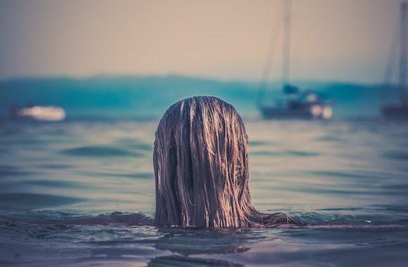 La Glixina e gli aminoacidi per capelli per curare i capelli in estate