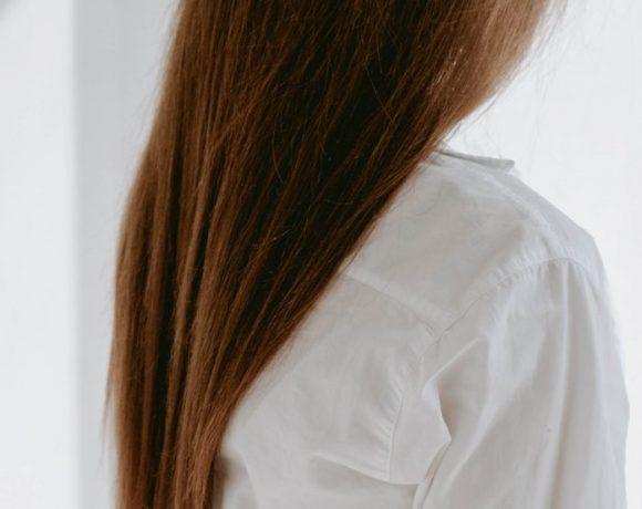 Cause e rimedi dei capelli sfibrati: risponde il dermatologo