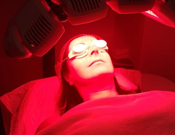 Terapia luce rossa e blu: effetti e benefici