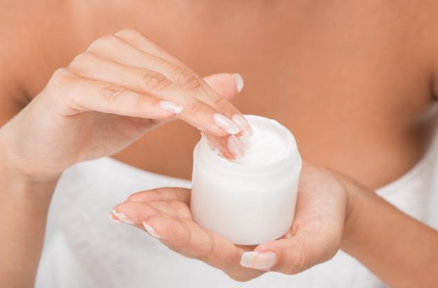 Dermcosmetici rigeneranti e antiaging consigliati dal dermatologo